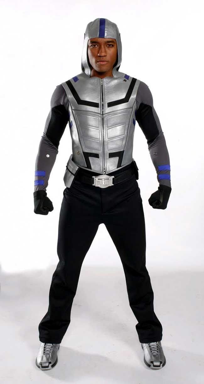 https://majorspoilers.com/wp-content/uploads/2019/07/Smallville-Cyborg.jpg